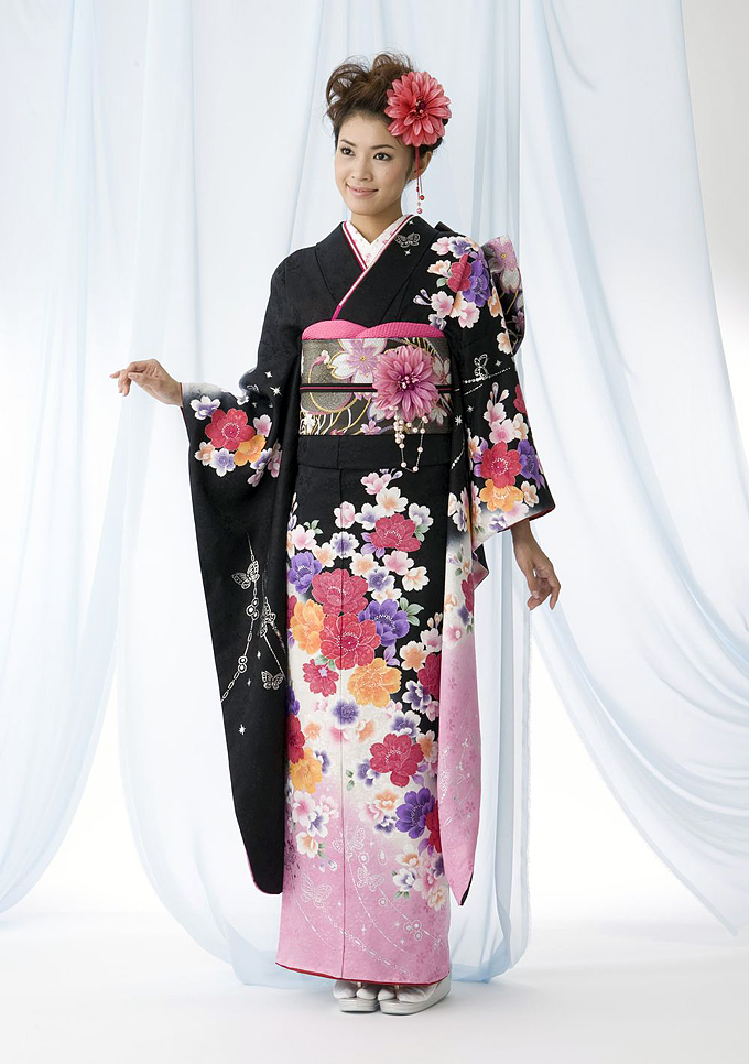 Colourful kimono for a single lady (furoshide)