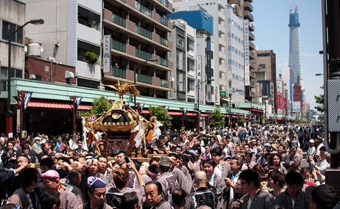 Fight the crowds at Asakusa to be part of the famous and traditional Sanja matsuri.