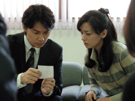 "A scene from Kore-eda Hirokazu's new film, ""Soshite Chichi Ni Naru (Like Father, Like Son),"" featuring Masaharu Fukuyama, left, and Machiko Ono"