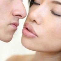 When do Japanese People Have Their First Kiss?