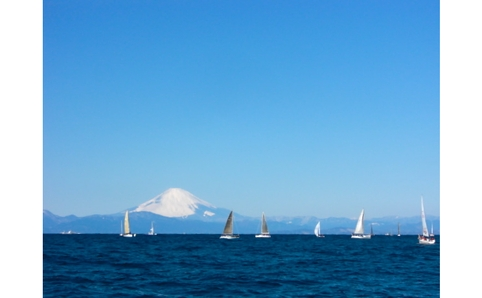 A unique experience, see Mt Fuji from a sailing boat